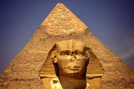 Рядом с египетскими пирамидами построят огромный музей