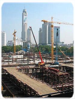 Строительство самого крупного в Юго-Восточной Азии торгового центра Siam Paragon.
