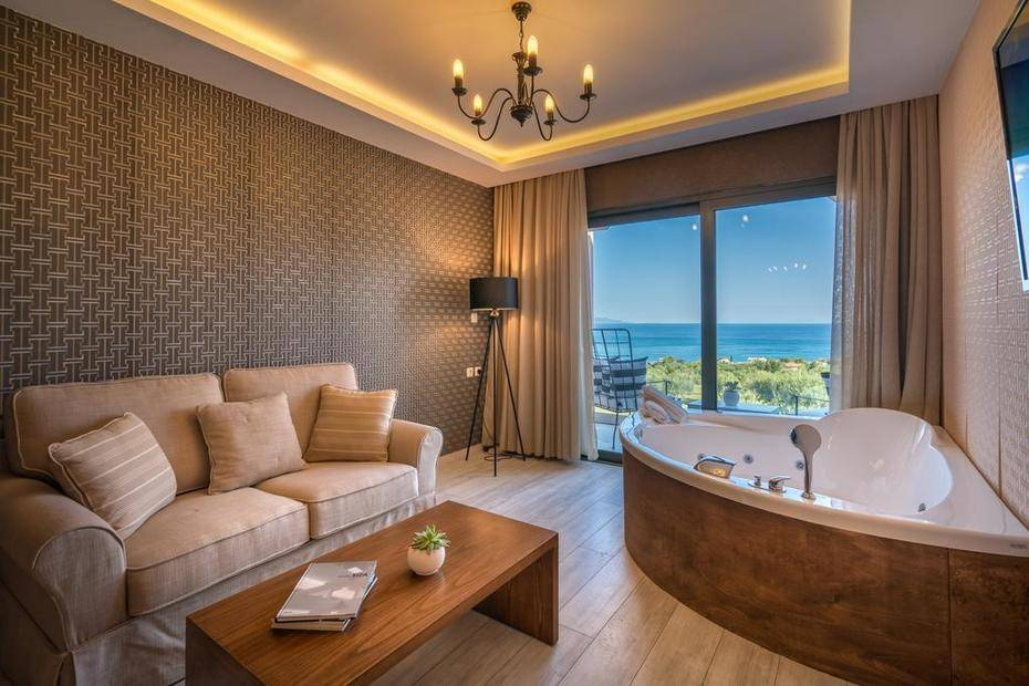 фотографии отеля Elegance Luxury Executive Suites изображение